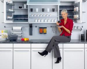 Компания Hailo производства систем сортировки мусора и систем организации для кухонных шкафов.